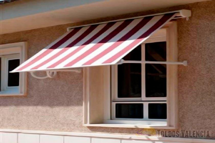 Toldo ventana minicofre toldos valencia for Herrajes de aluminio para toldos